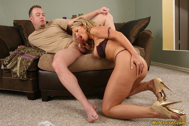 Lustful MILF Kayla Synz gets passionately fucked and ...