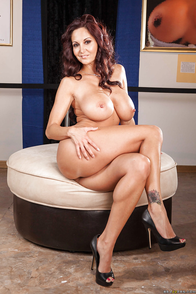 Curvy MILF in blue jeans Ava Addams undressing and ...