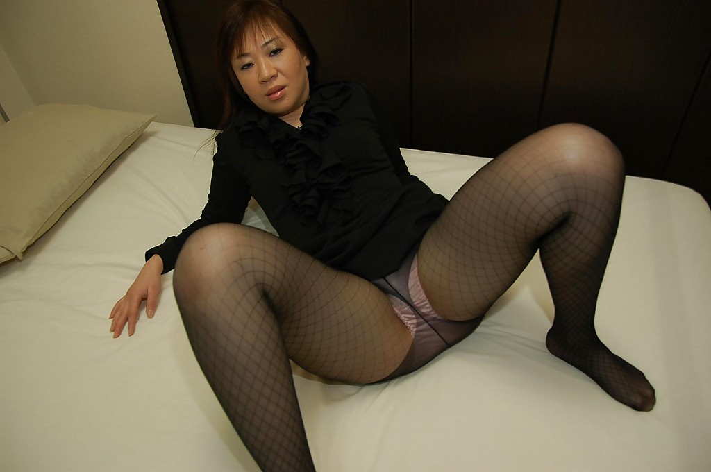 Asian wishes porn photos - Long legs nylon porn pics