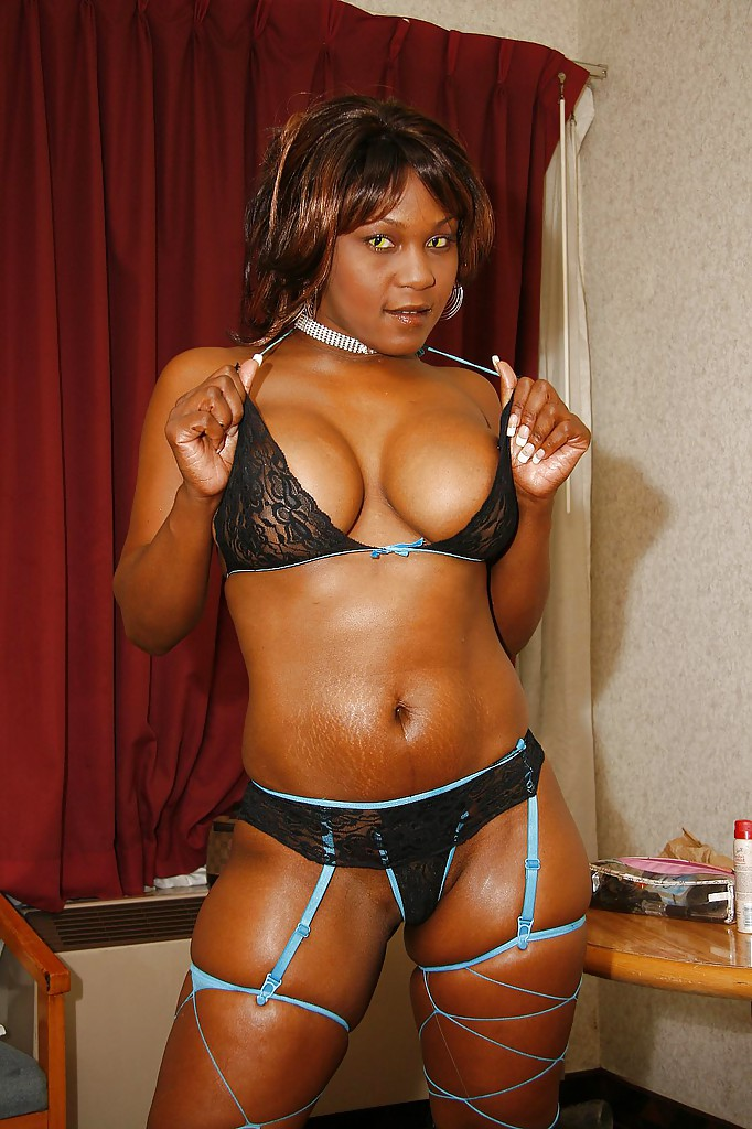 Tubes ebony asshole
