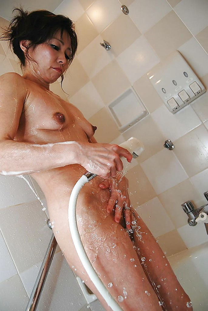 videos small hairy chinese girls taking shower