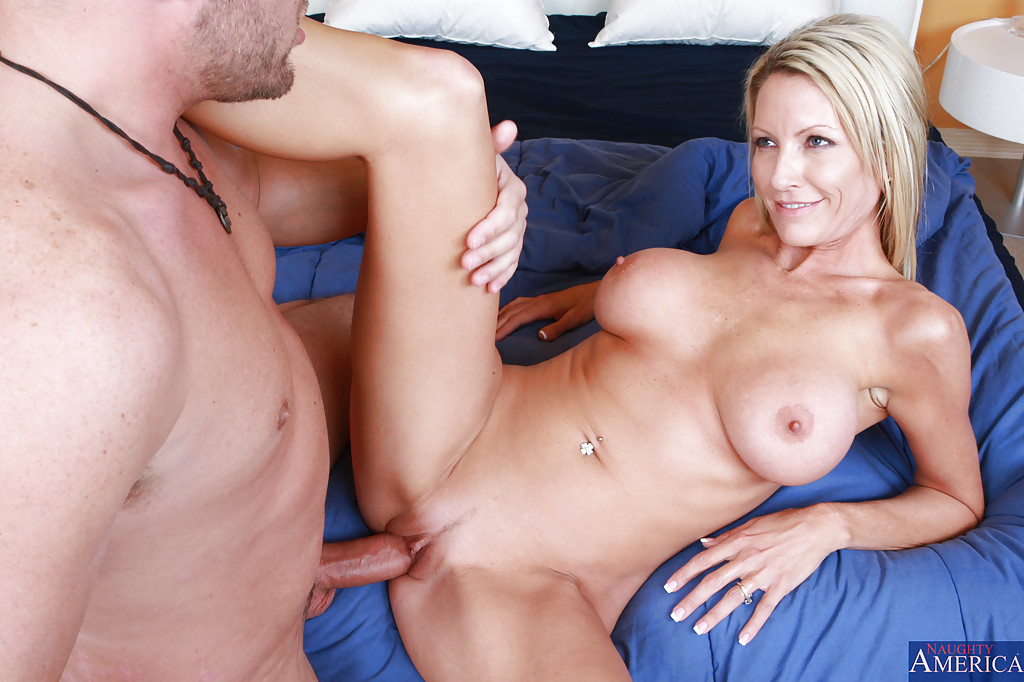 image Busty emma starr gets fucked and facialized