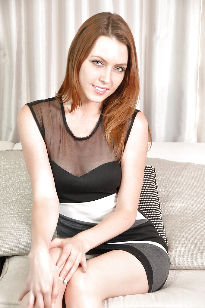 Redhead solo girl Megan Loxx strips naked on a chesterfield № 709336 бесплатно
