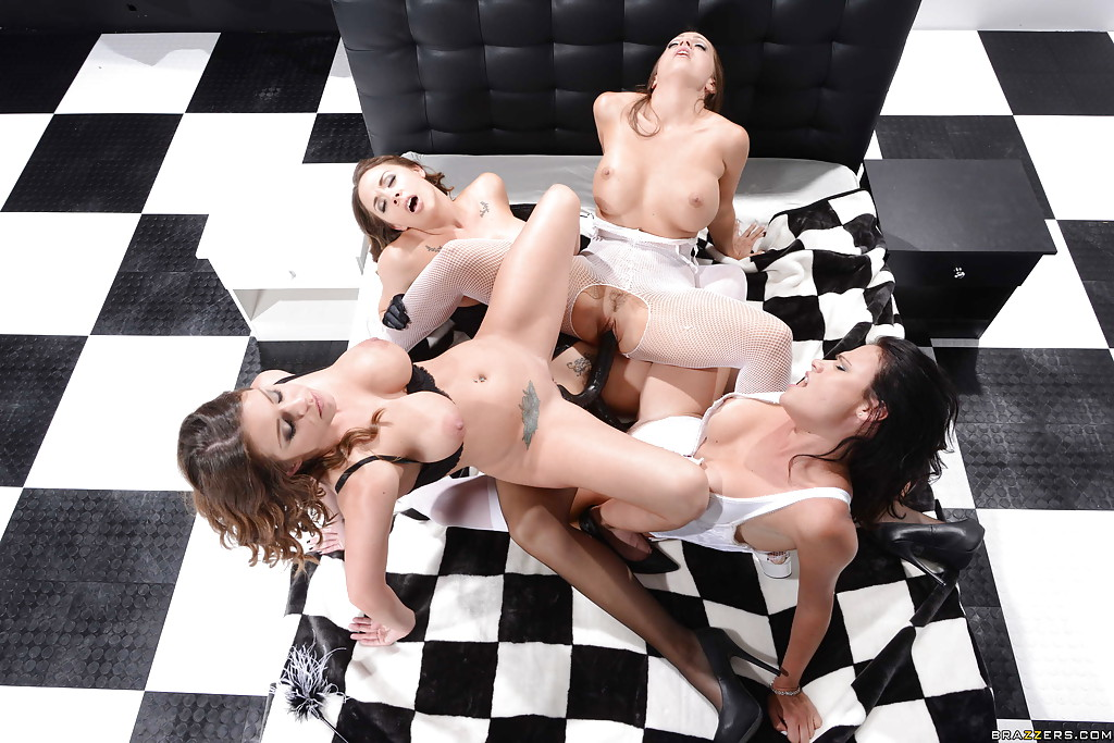 Young swinger porn movies