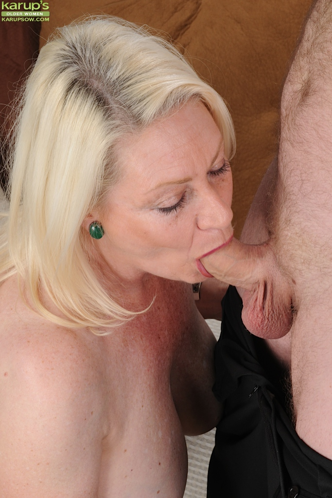 Double blowjob fucking machines mom big boobs