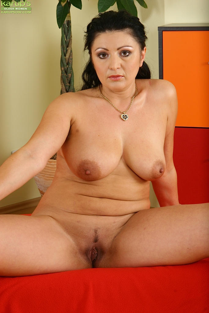 For nude chubby brunette milf think, that