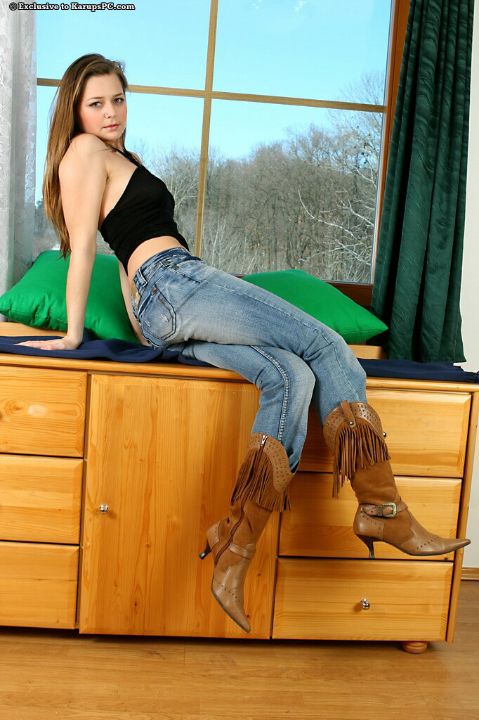 Playful amateur cutie in blue jeans undressing and teasing her pink gash  770458