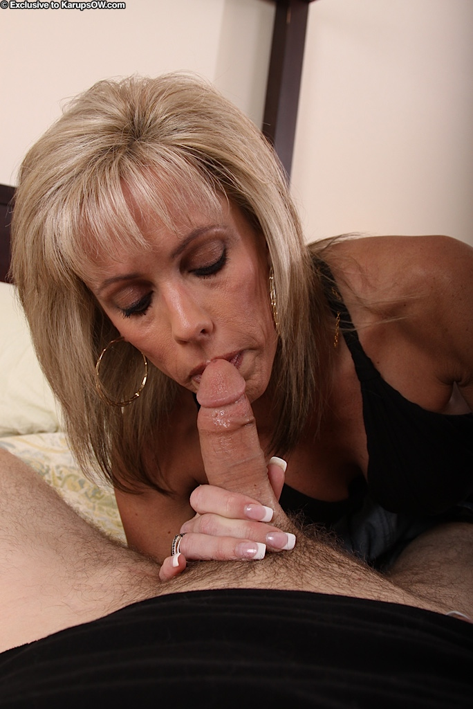 Mature slut pusst cunt blowjob pictures homemade bisexual