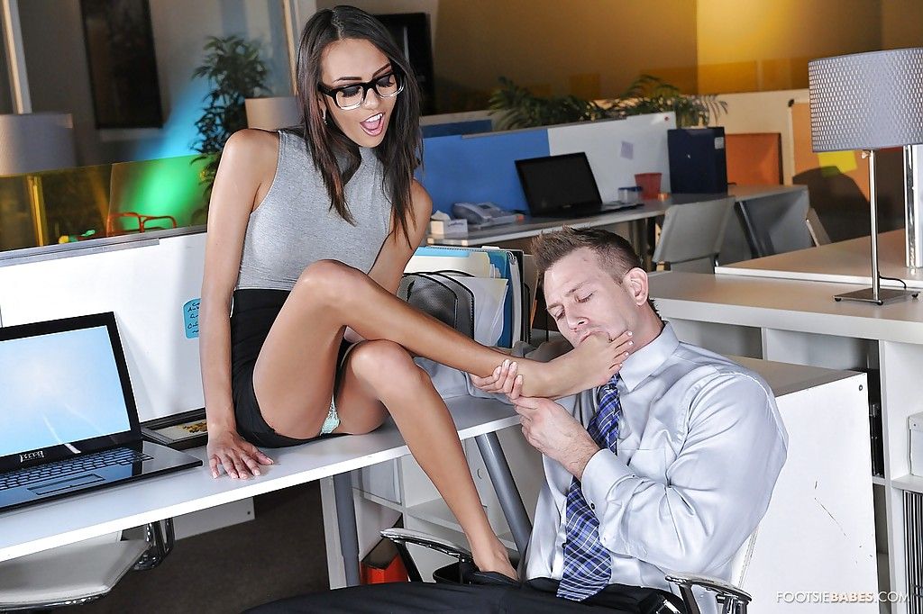 Office slut Christie Stevens has ass fucked while coworker watches  463899