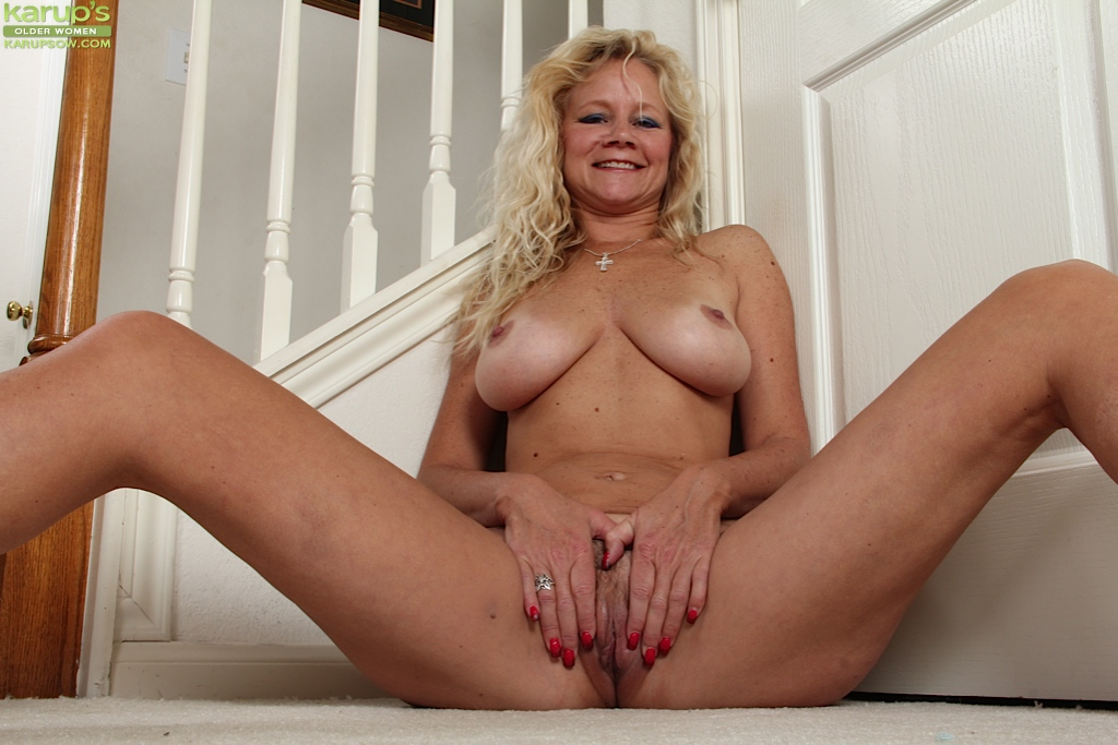 lady Nice pussy old