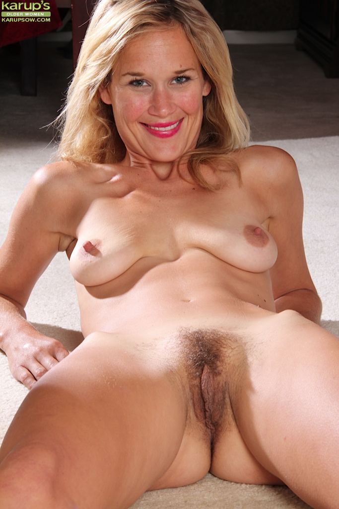 Courtney and categories: pussy mature saggy tits pussy;