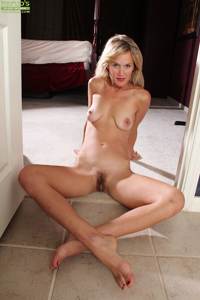 Perfect blonde body mature