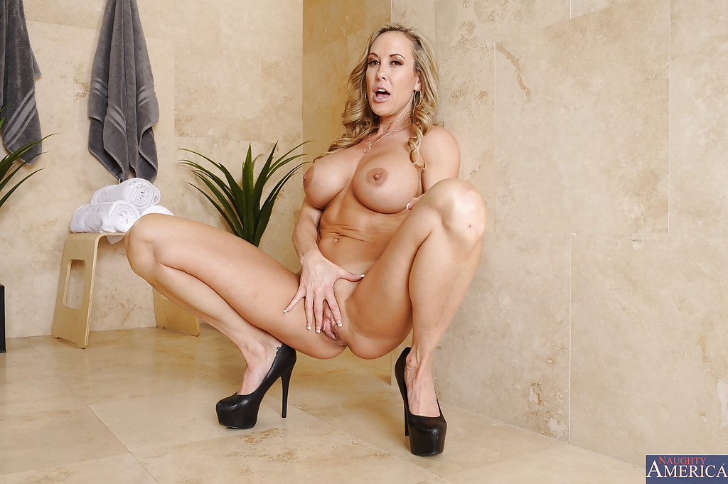 model profile brandi love