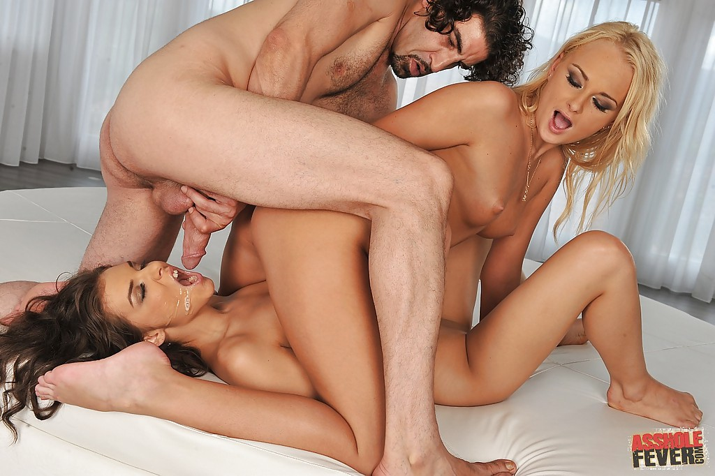 Lucy Cat Anal Threesome