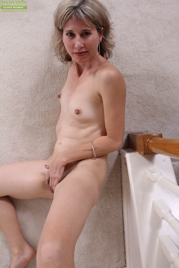 Karups mature hairy woman