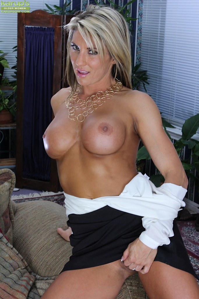 Milf blonde Mercedes touches her big tits and spreading ...