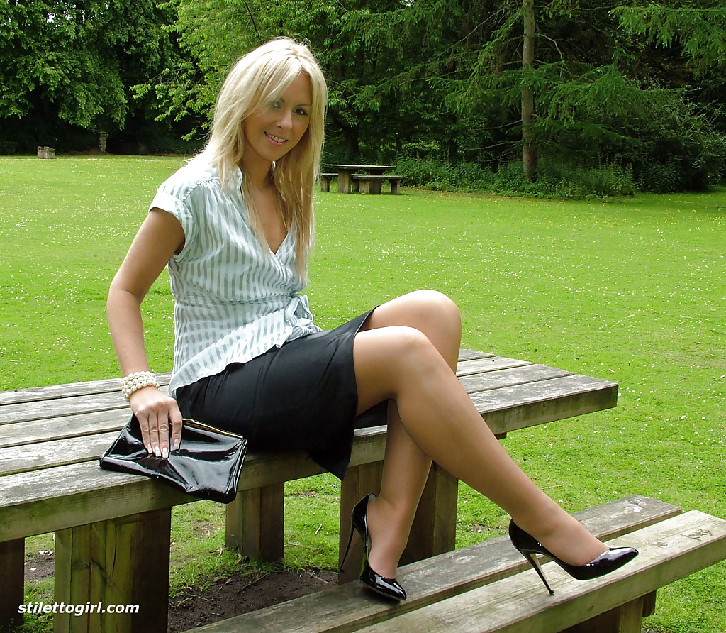 Blonde lady over 30 Samantha Jolie posing non nude outdoors in nylons  217855