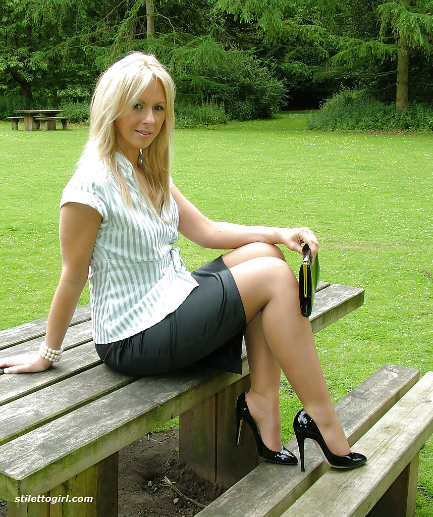 Blonde lady over 30 Samantha Jolie posing non nude outdoors in nylons  217881