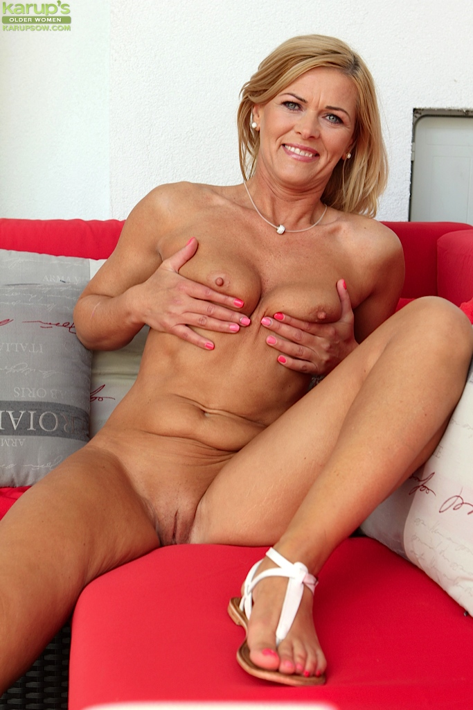 free mature women porn pictures № 30268
