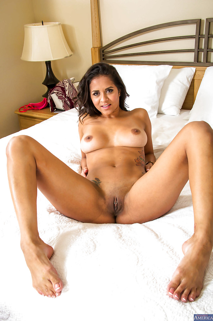 Valuable Nude brazilian milf