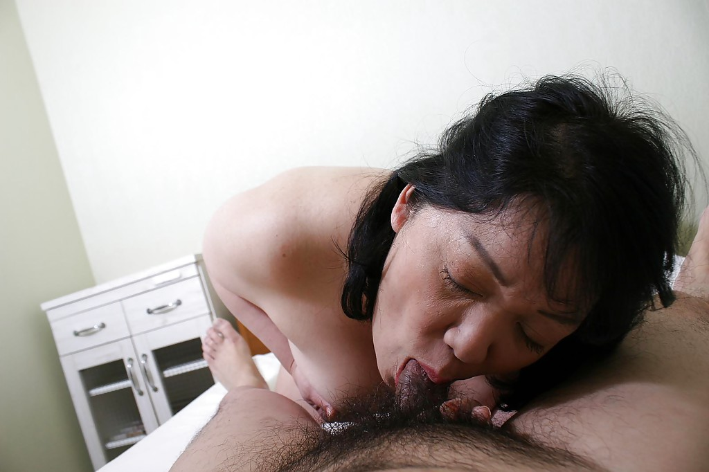 Asian Mature Hardcore Mature Asian Eiko Imamiya has her mature pussy and ass fucked hardcore