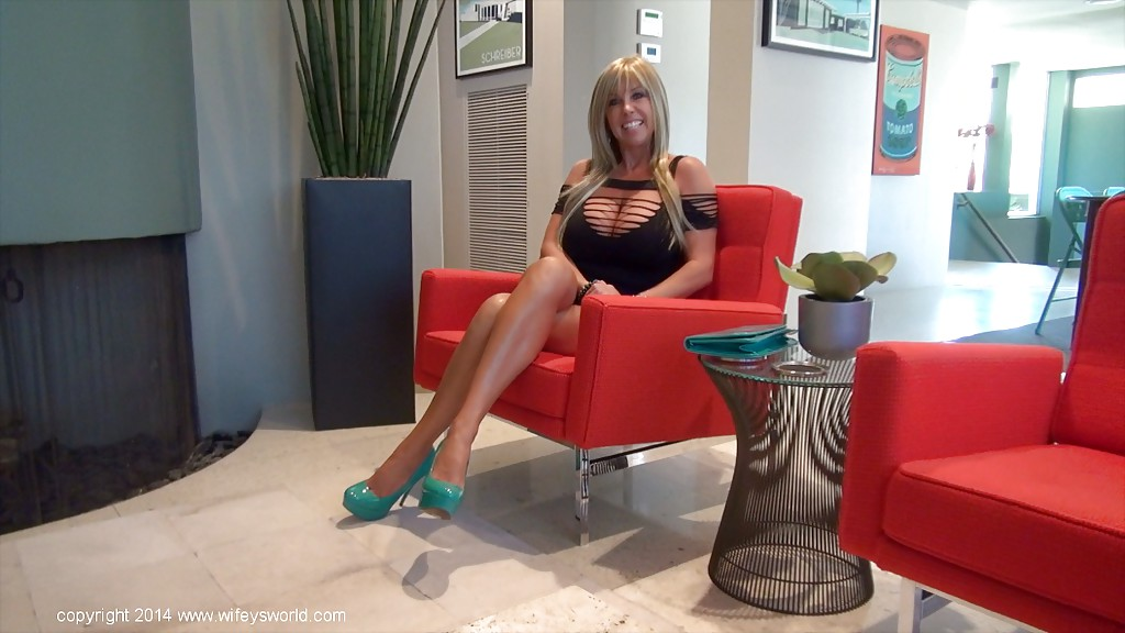 Buxom housewife Sandra Otterson modelling sexy crotchless bodystocking  178758
