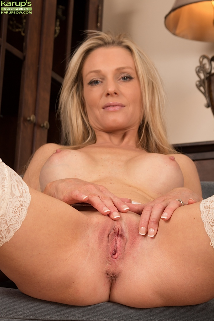 Free mature undressing porn thumbs simply
