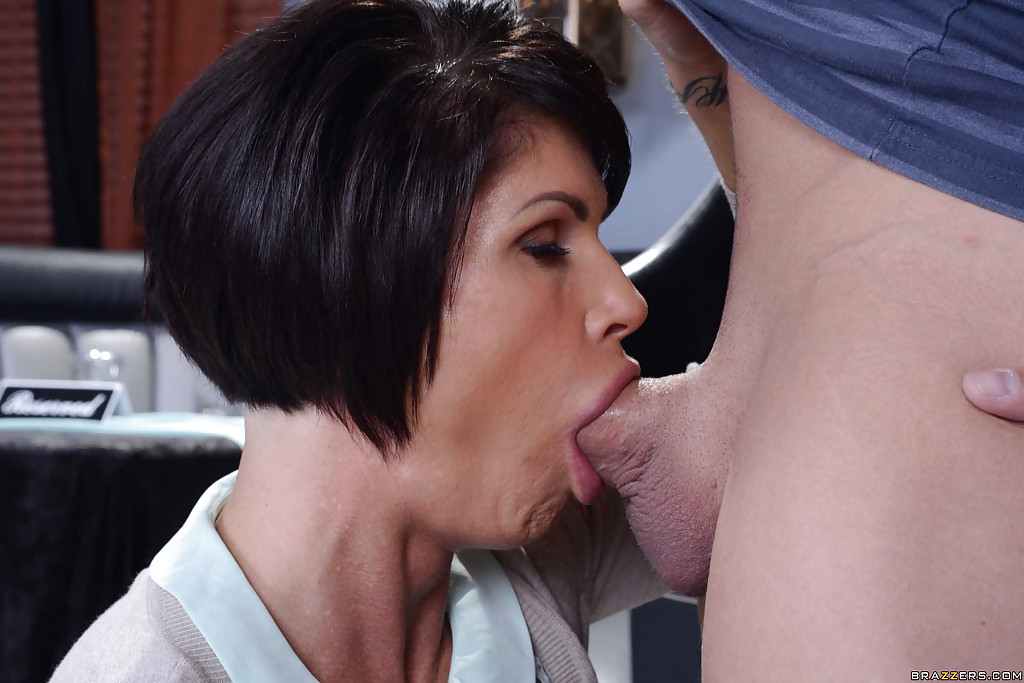 Massive tits milf shocked by monster cock 7