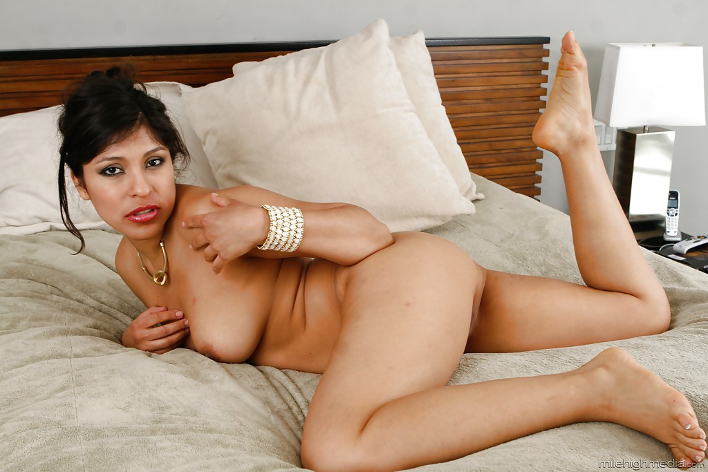 Latina feet porn with big tits