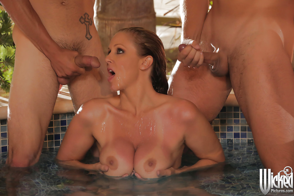 Luscious dudes enjoy blowjob by the pool