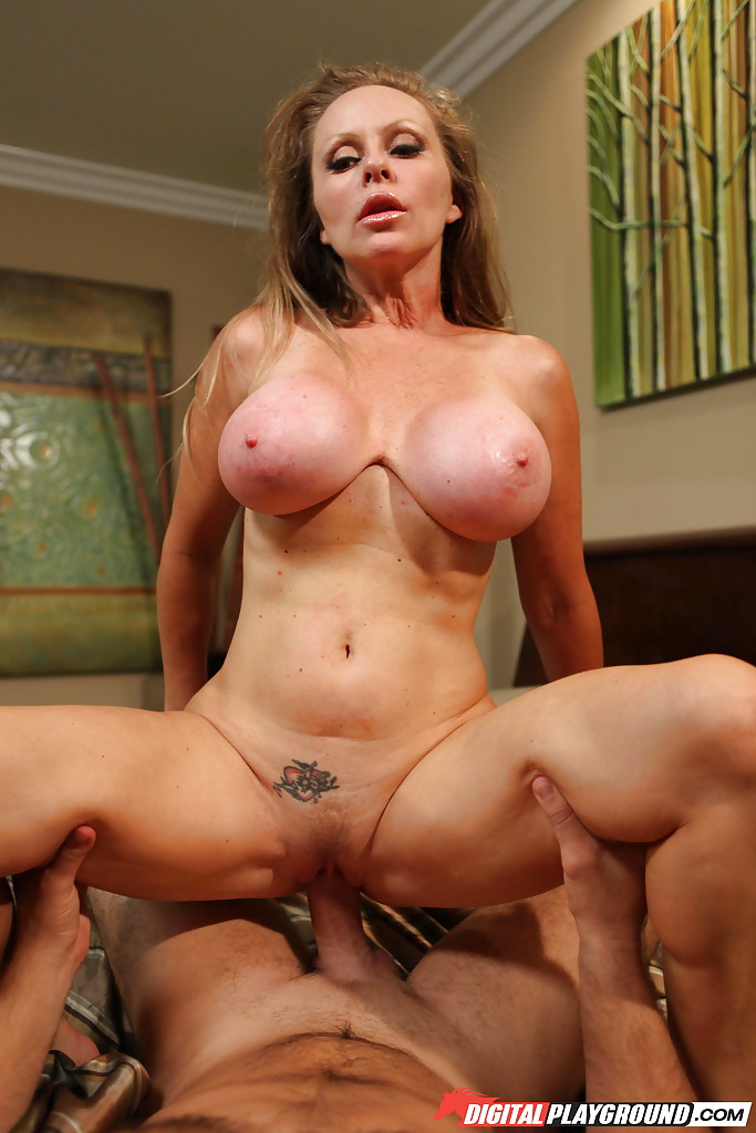 hot_milfy_mom