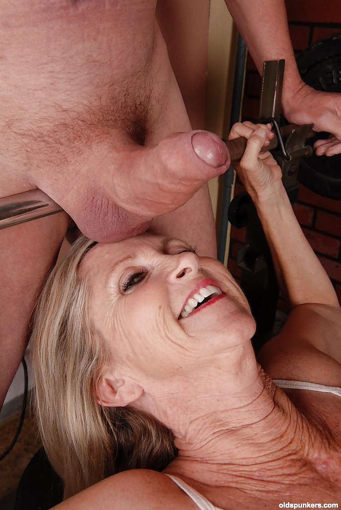 Woman that love sucking cock