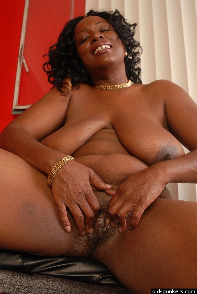 Ebony mature porn picture galleries think