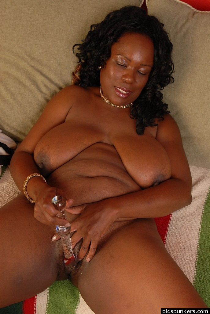 Mature ebony webcam