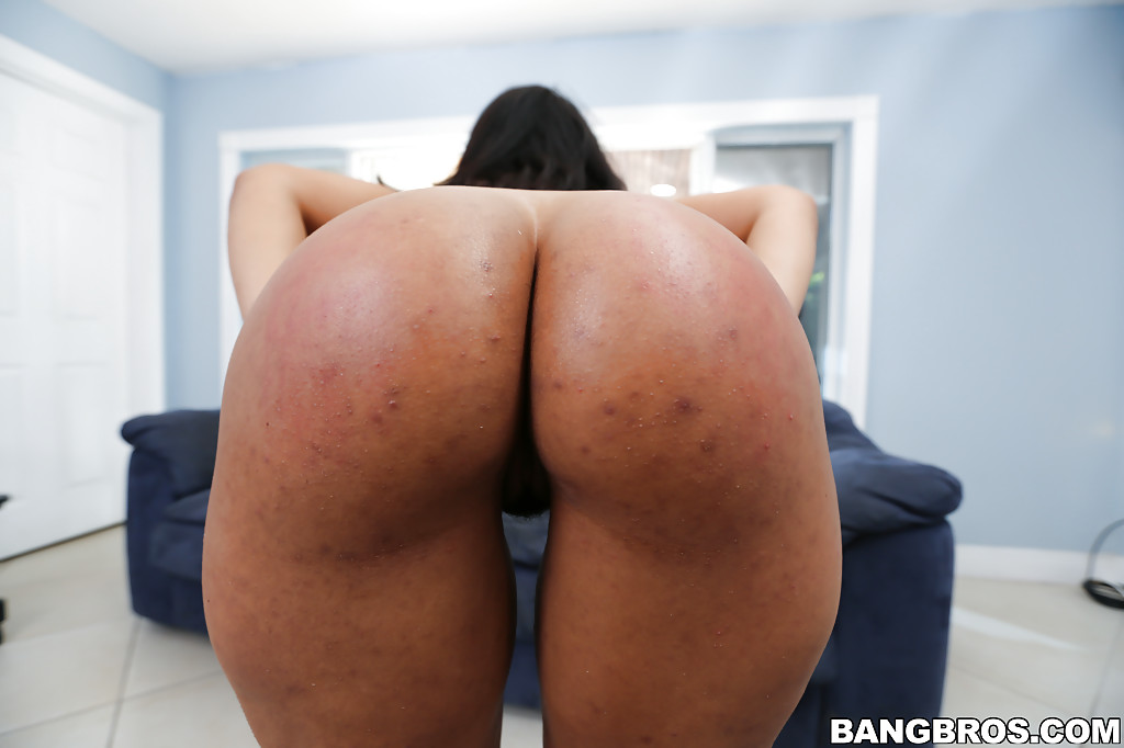 Latina Ass Shake And Spank