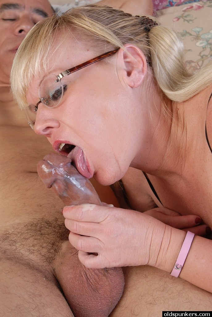 Glasses granny blowjob and swallow