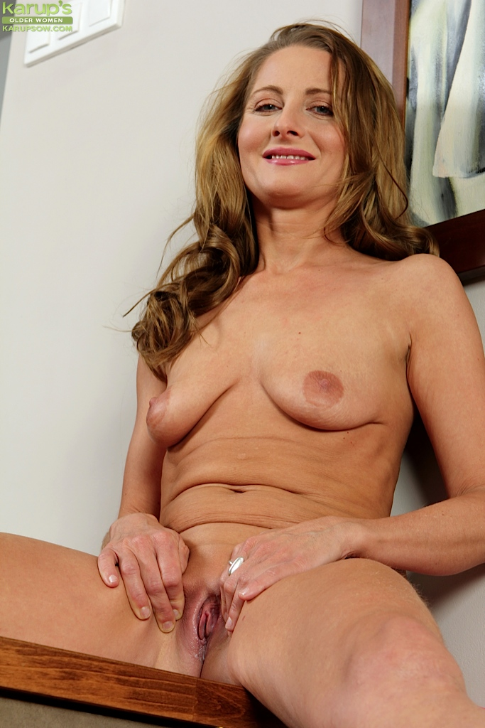 Mature Shaved Pussys 19