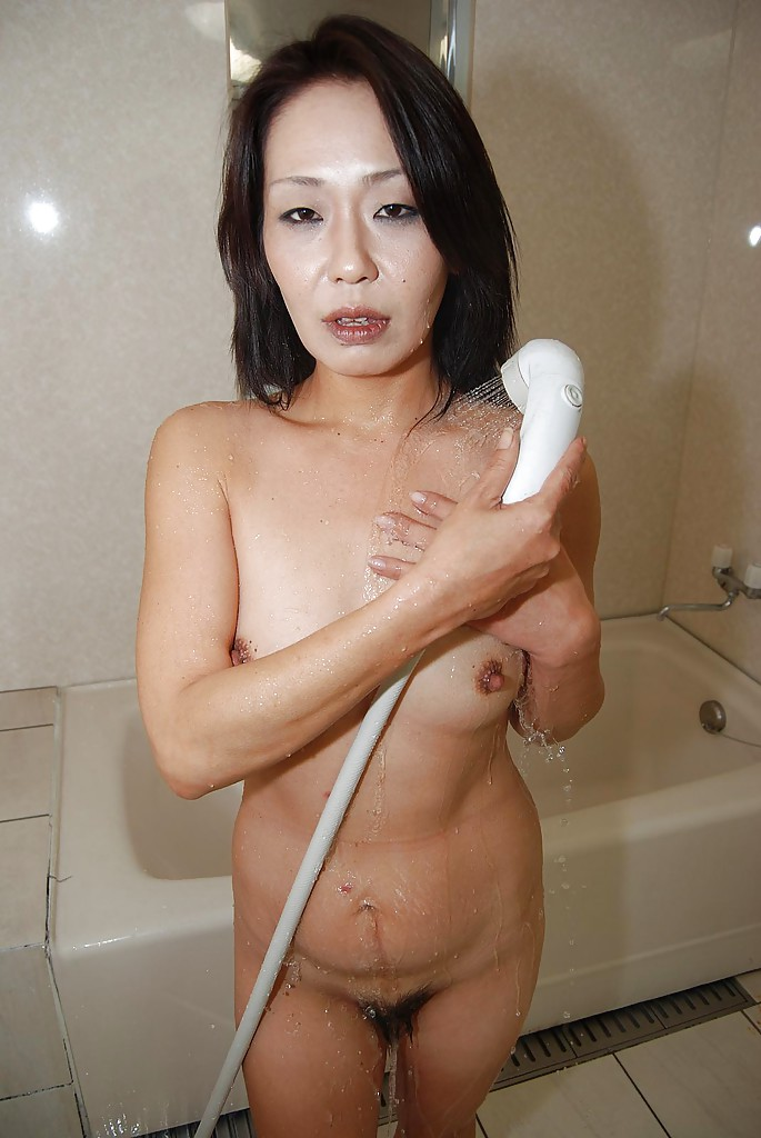 Japanese wife nude pictures at JustPicsPlease