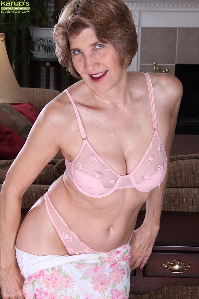 Mature lady in panties