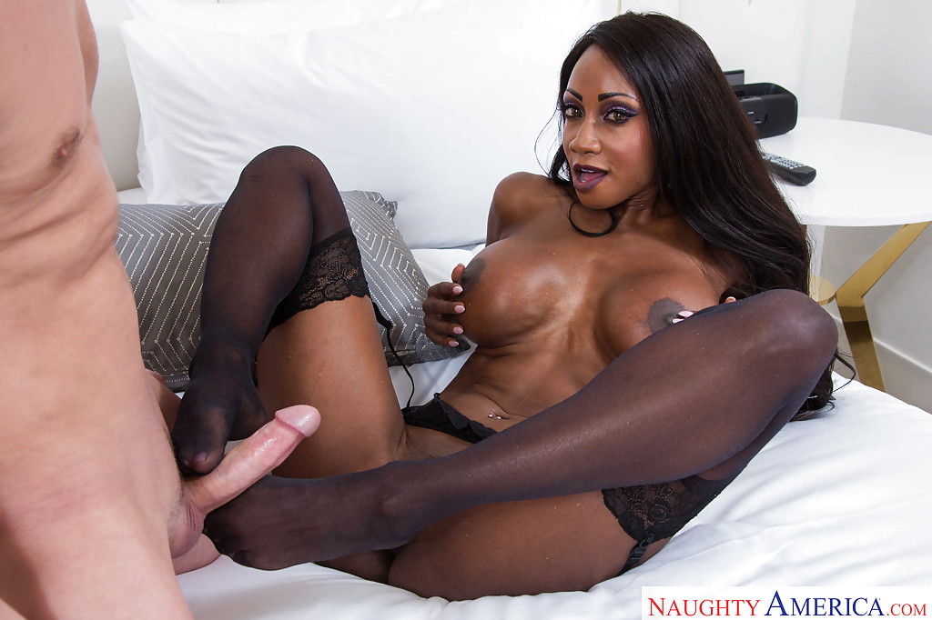 diamond jackson feet