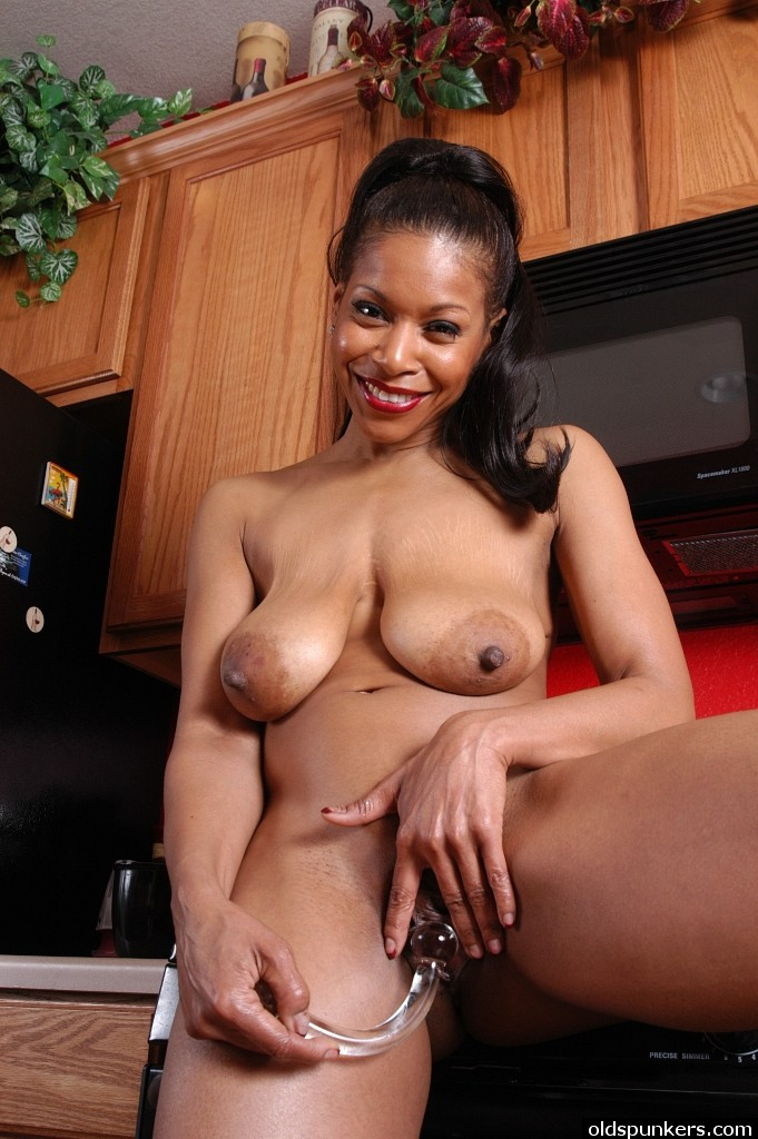 Semmie is a very sexy mature black babe with nice big tits 7