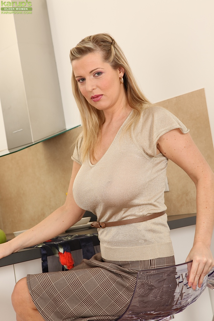 Big tits woman please her client at work 8