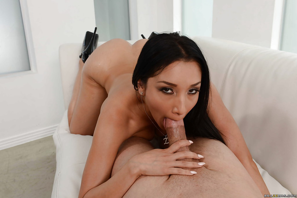 A lovely self anal toy reaming 4