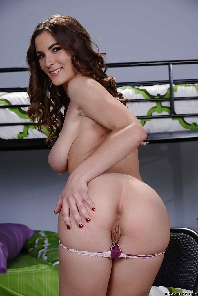 Busty babe molly jane spreads ass for allanal 3