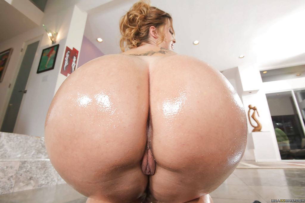 thick nude latina ass