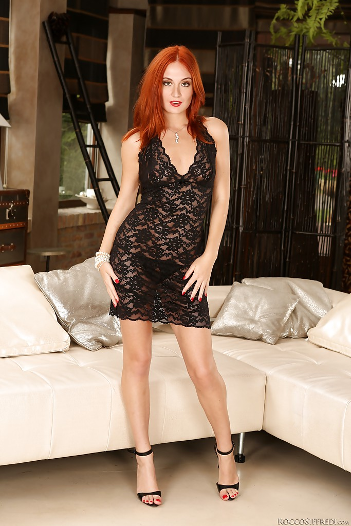 Redhead model Eva Berger shows her nice legs before getting out of a red dress № 470766 без смс