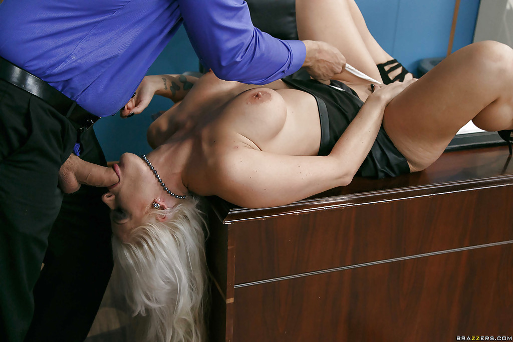 Blonde office jerk dick and cuntbag
