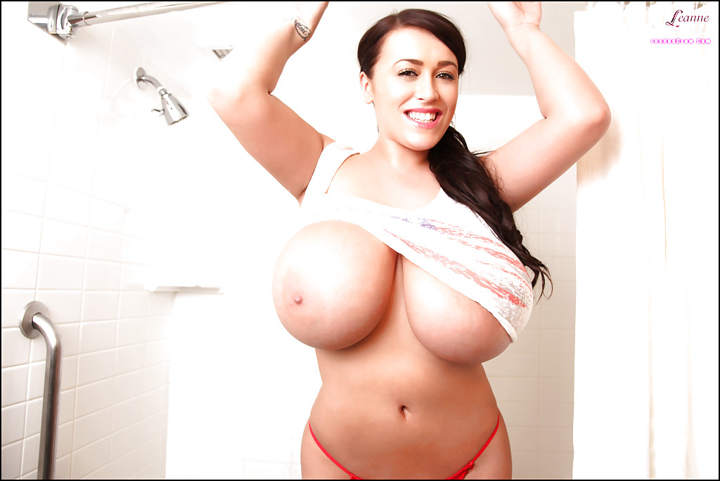 the biggest boobs in the world naked № 94432