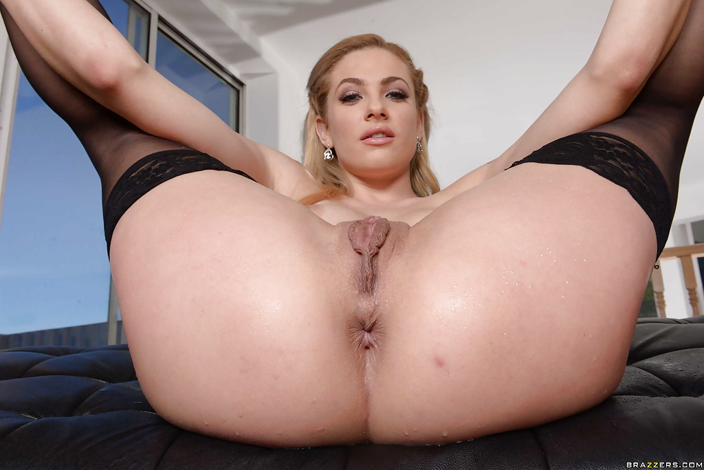 Sexy big ass blonde pussy