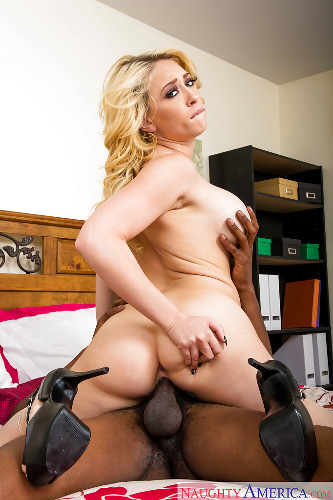 Milf squirting mp4